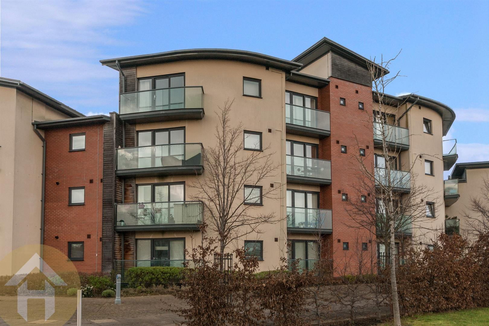 2 Bedrooms Flat for sale in Allen Close, Swindon